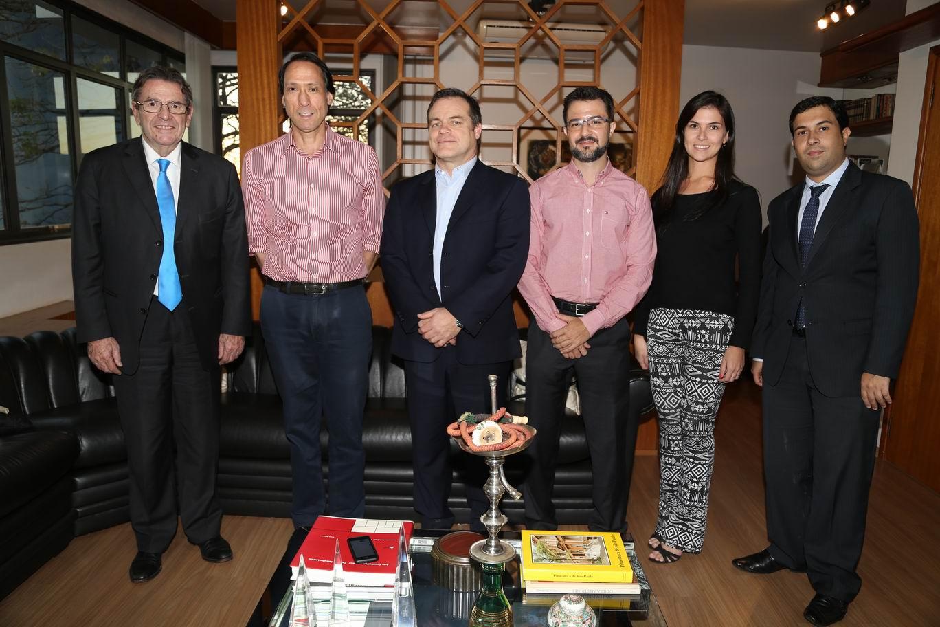 A Diretoria do Grupo JP recebeu a visita do embaixador do Chile no Brasil, Sr. Jaime Gazmuri